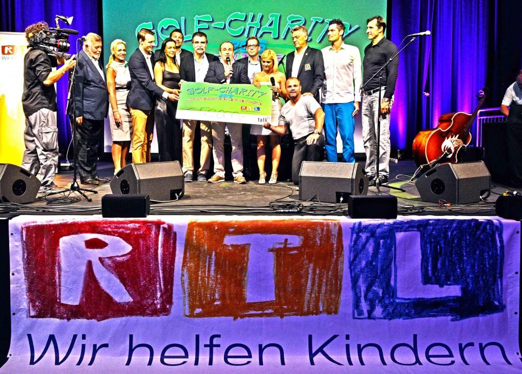 Zum Zeitpunkt des Promi-Turniers im Rahmen vom Golf Charity Spendenmarathon, betrug die Spendensumme bereits 50.000 Euro. (Bild: talk Agentur)